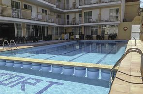 Pool Hotel Riutort