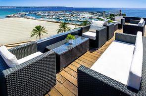 Blick auf das Meer vom Dach des Hotel Nautic
