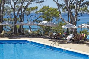 Pool des Universal Hotels in Paguera