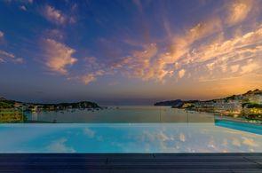 Rooftop-Pool des Hotels H10 in Santa Ponsa