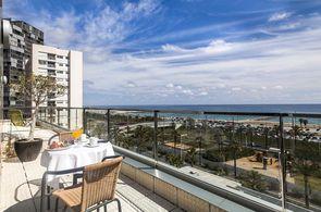 Balkon Hotel Front Maritim mit Blick auf Strand und Meer