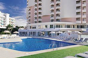 Pool des Hotels Maria Isabel