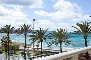 Blick vom Hotel Neptuno am Balneario 5 auf das Meer