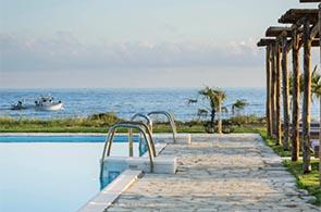 Pool des Kymata Resorts