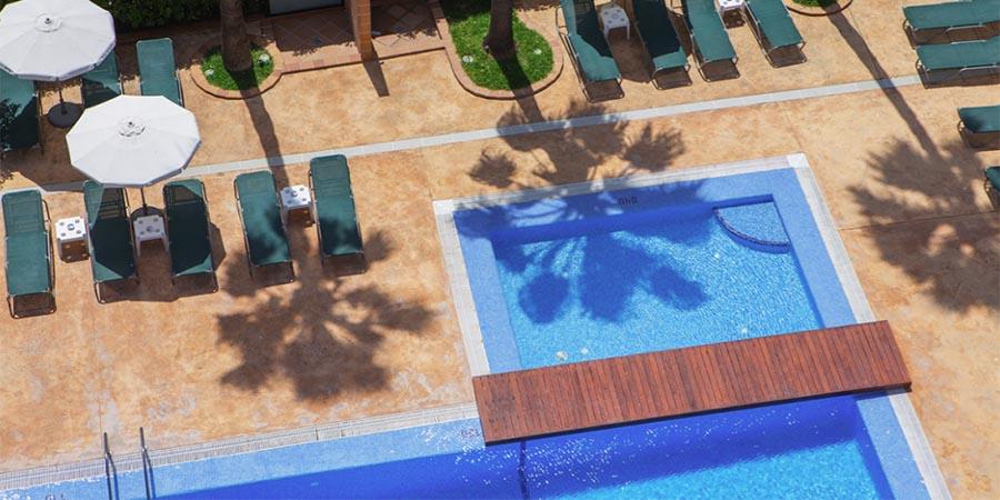 Pool im Hotel Niagara